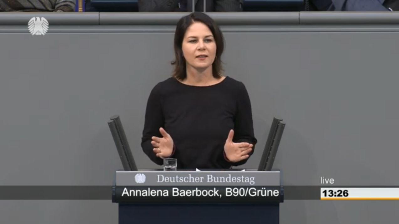 Annalena Baerbock redet im Plenum des Deutschen Bundestages